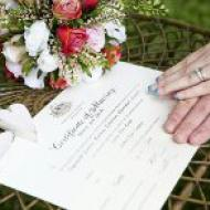 Signing, Fig Tree, Sugarworld, Cairns Marriage Celebrant, Melanie Serafin